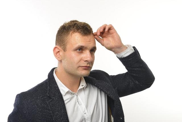 頭皮の臭いが出る5つの原因と対策