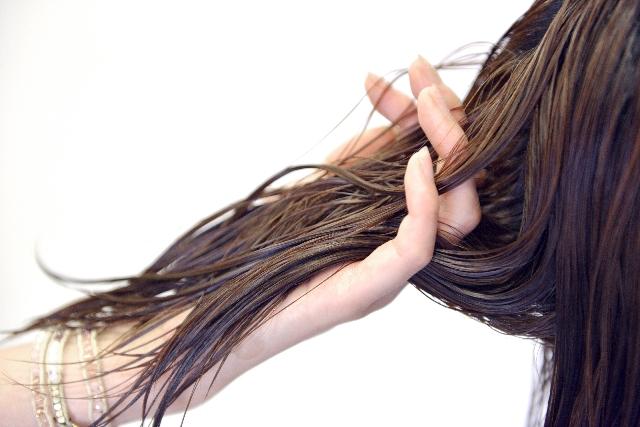 髪のダメージを招く5つの注意点と解決方法
