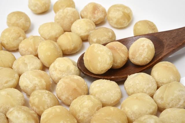 [マカデミアナッツ油(マカデミア種子油)]パルミトレイン酸を多量に含む保湿油性成分