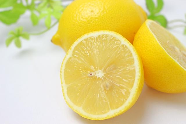 [レモン果汁]ビタミンCを多く含む美白成分