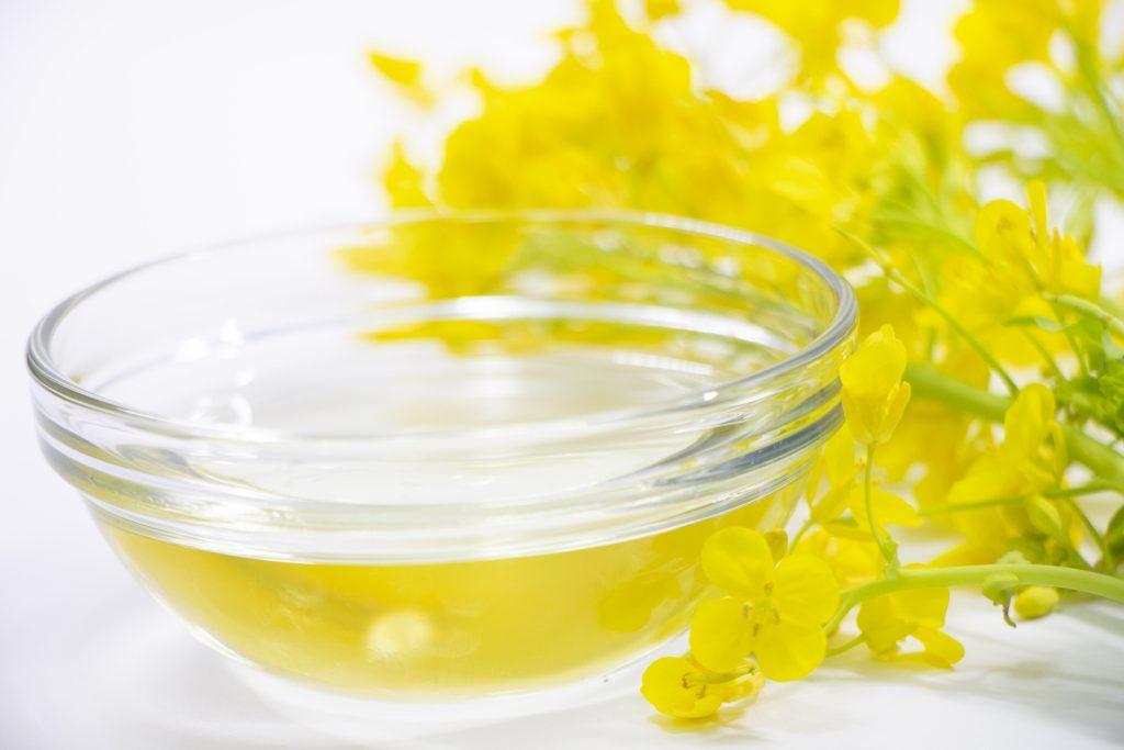 [水添ナタネ油アルコール]菜種油から作られた乳化安定成分